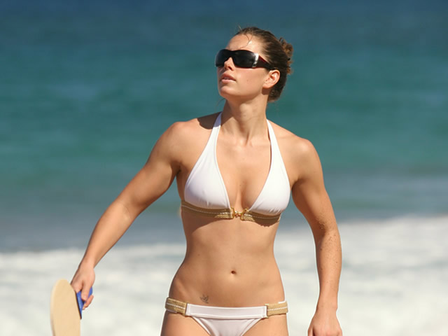 Ideal female physique jessica biel body (no abs and strong as hell)